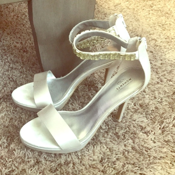 unforgettable moments Shoes - 3.5 Inch White Heels 👠 for sale